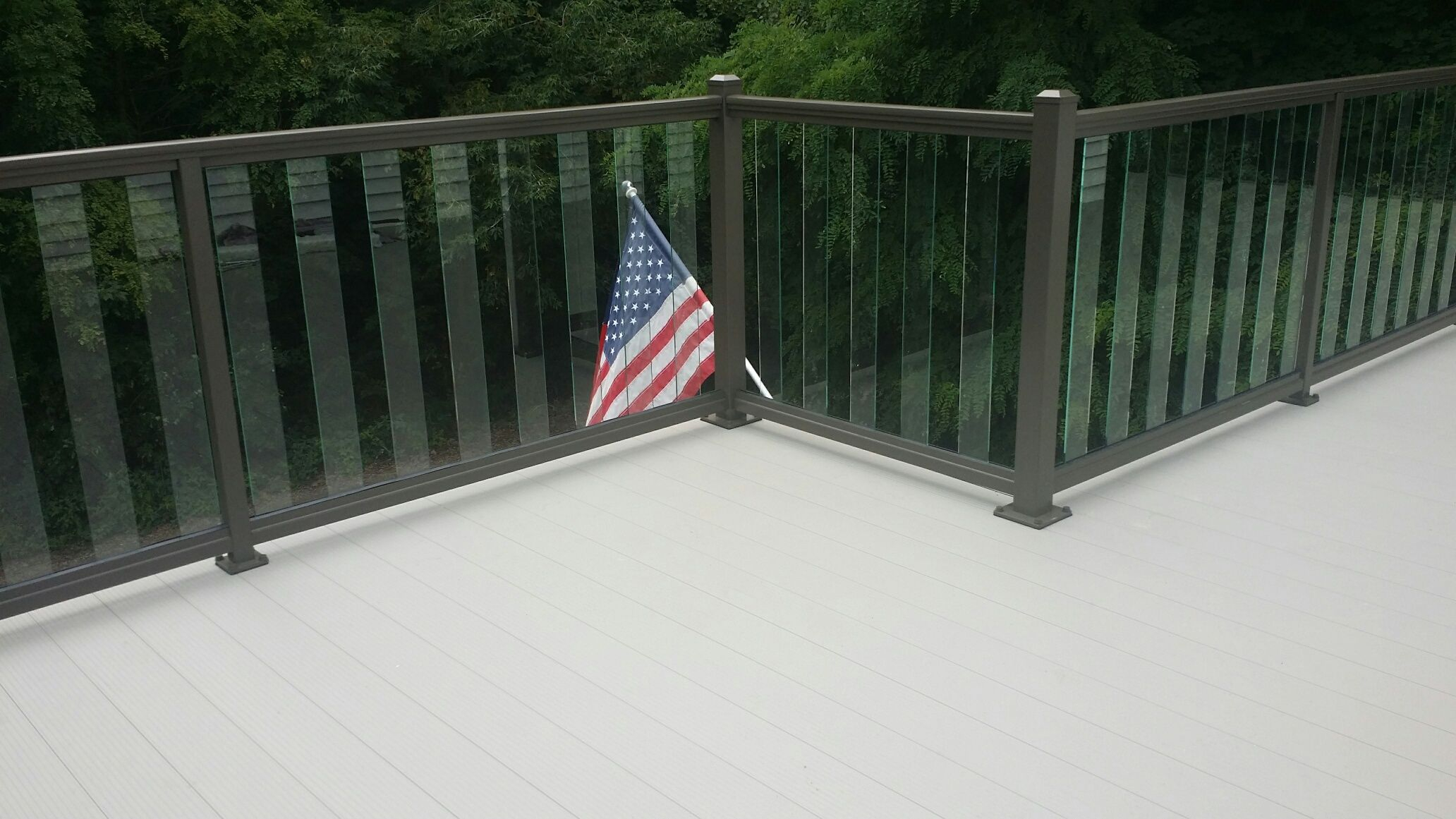 Light Grey Lockdry Aluminum Decking With Burnished Slate Glass inside size 2064 X 1161
