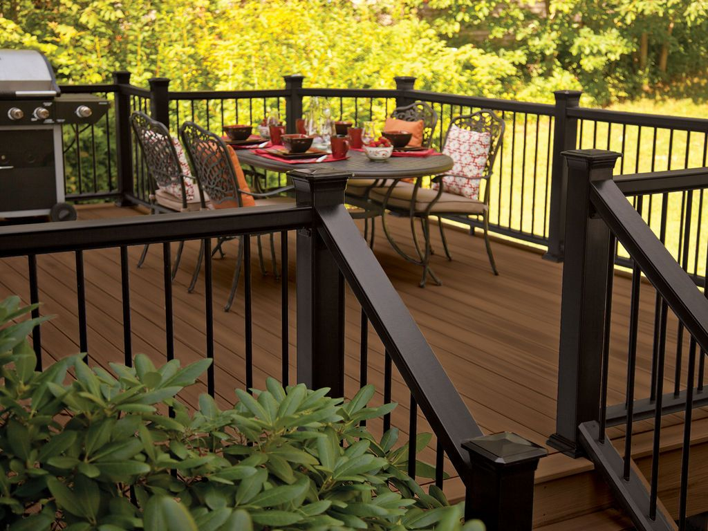 Paint The Trellis Dark Decking In Tudor Brown With Mission Rail within measurements 1024 X 768